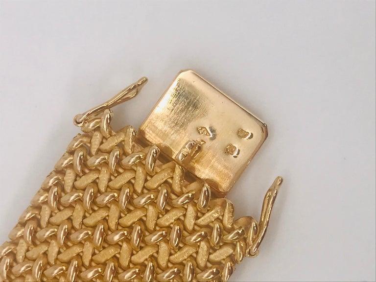 Women's Milanese Mesh Flexible Clamper Bracelets Yellow Gold 18 Karat For Sale