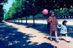 A Family Portrait #1 – Miles Aldridge, Woman, Fashion, Family, Park, Colour, Art