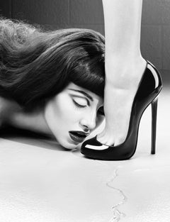 The Kiss – Miles Aldridge, Woman, Fashion, Glamour, Black and White, High Heels