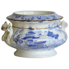 Miles Mason Porcelain Sucrier Blue and White Broseley Willow Pattern, circa 1810