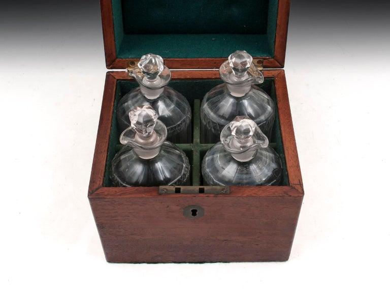 Military Mahogany Decanter Box For Sale 7