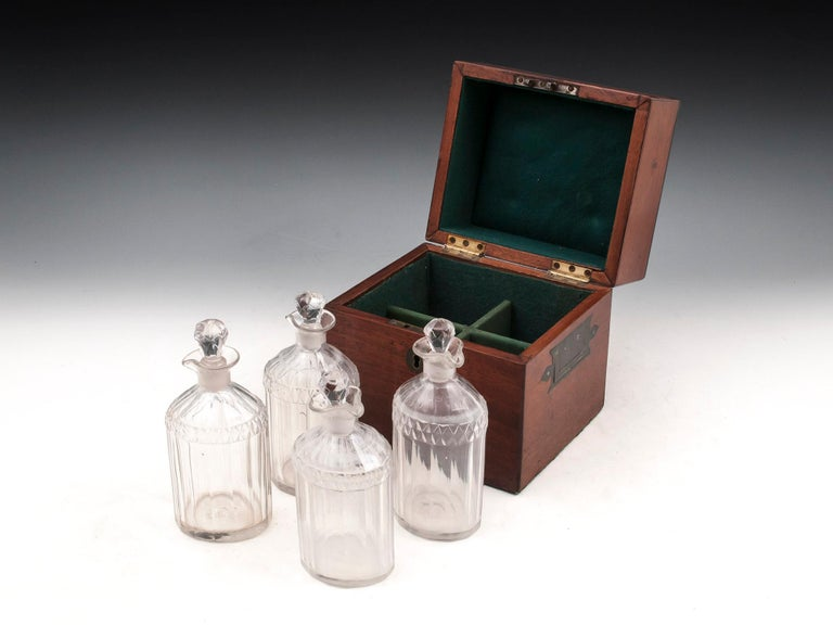 Military Mahogany Decanter Box For Sale 8