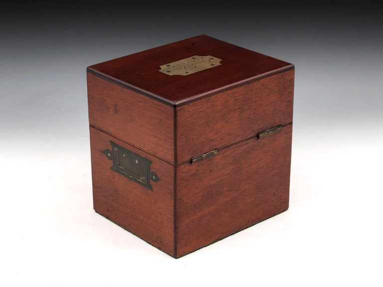 Military Mahogany Decanter Box For Sale 4