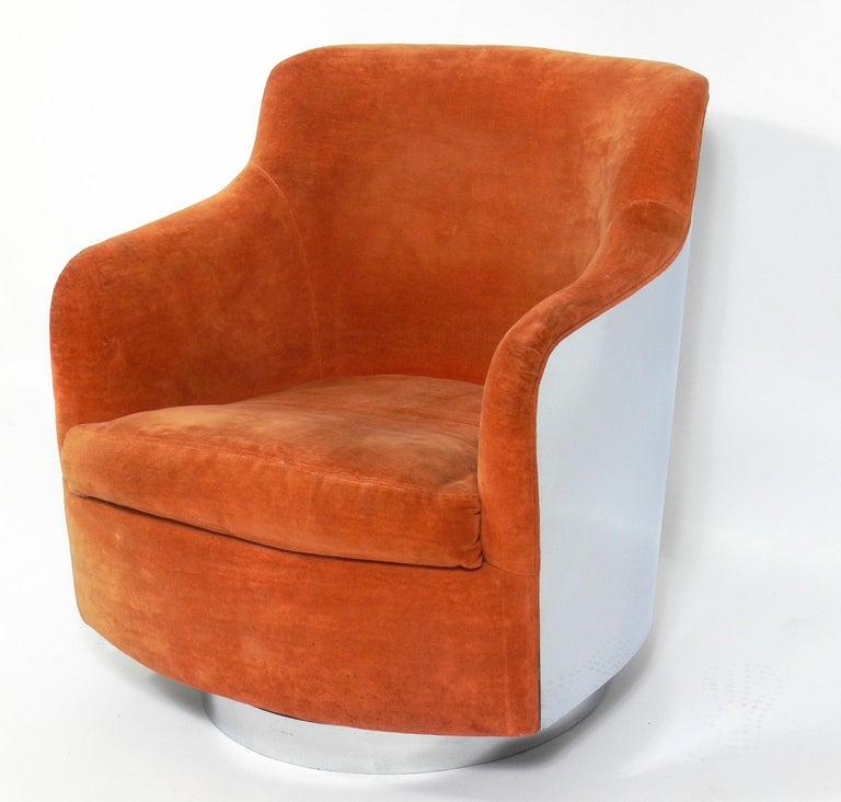 Mid-Century Modern Milo Baughman Chrome Swivel Chair For Sale