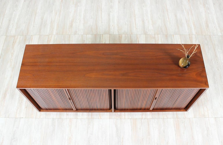 Milo Baughman Double Tambour-Door Credenza for Glenn of California For Sale 2