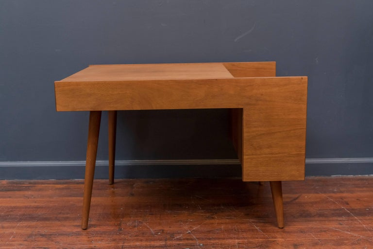 Walnut Milo Baughman End Table for Glenn of California For Sale