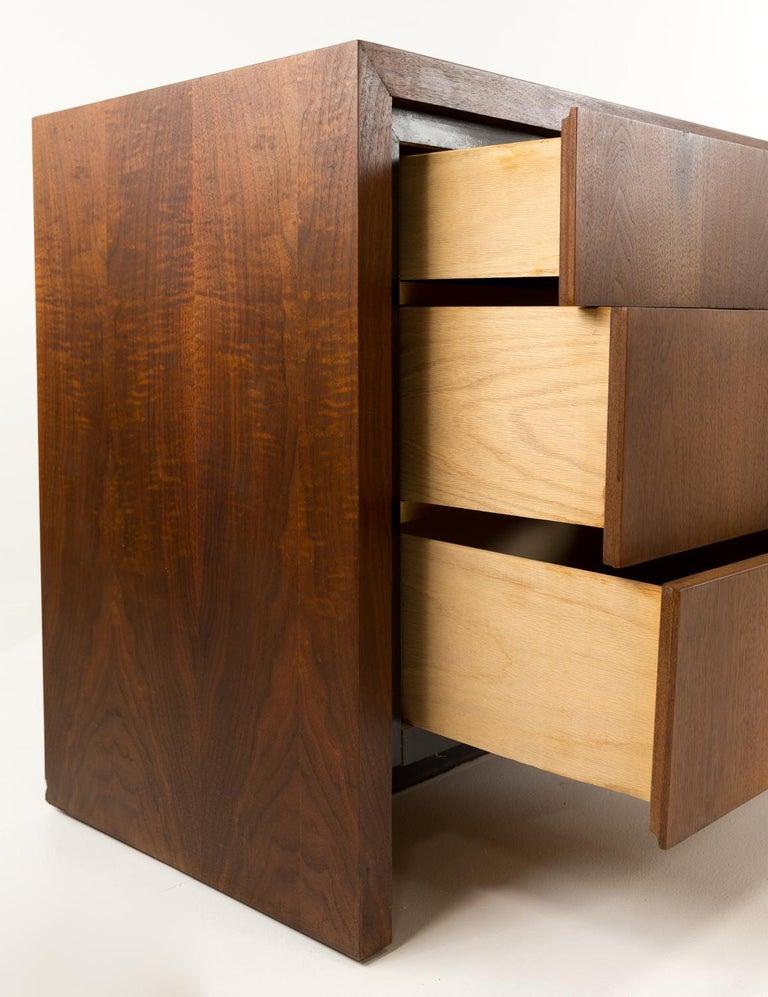 Late 20th Century Merton Gershun for Dillingham Mid Century Walnut Lowboy Dresser For Sale