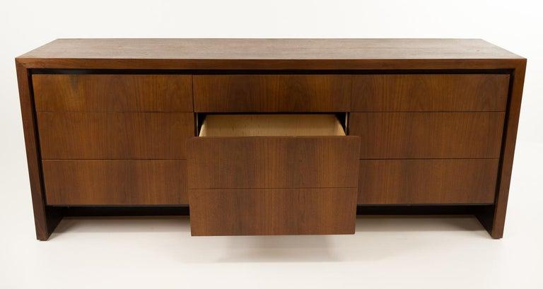 Merton Gershun for Dillingham Mid Century Walnut Lowboy Dresser For Sale 2