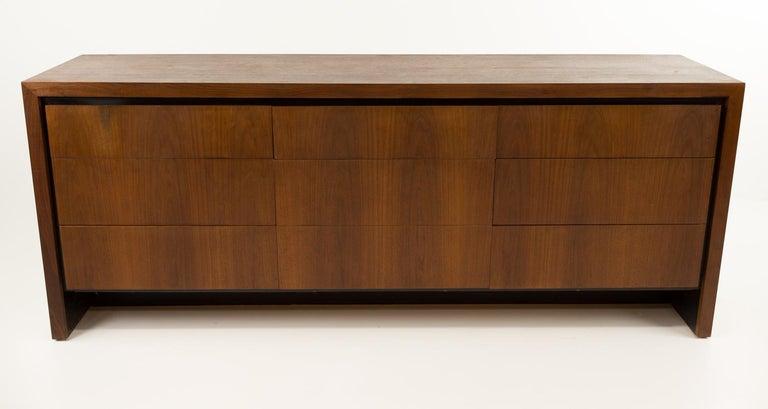 Merton Gershun for Dillingham Mid Century Walnut Lowboy Dresser For Sale 3