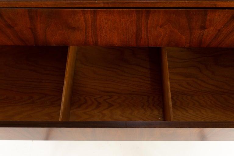 Milo Baughman for Directional Mid Century Walnut 5 Drawer Highboy Dresser For Sale 2