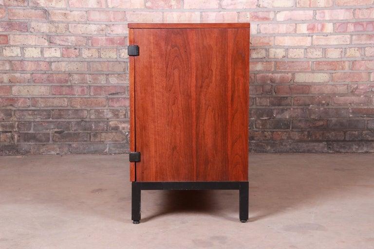 Milo Baughman for Directional Walnut Sideboard Credenza, 1960s 8