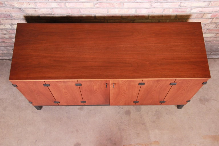 Mid-20th Century Milo Baughman for Directional Walnut Sideboard Credenza, 1960s