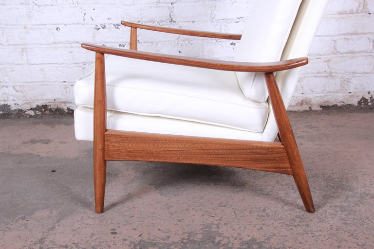 Milo Baughman for James Inc. Reclining Lounge Chair, Newly Refinished For Sale 3