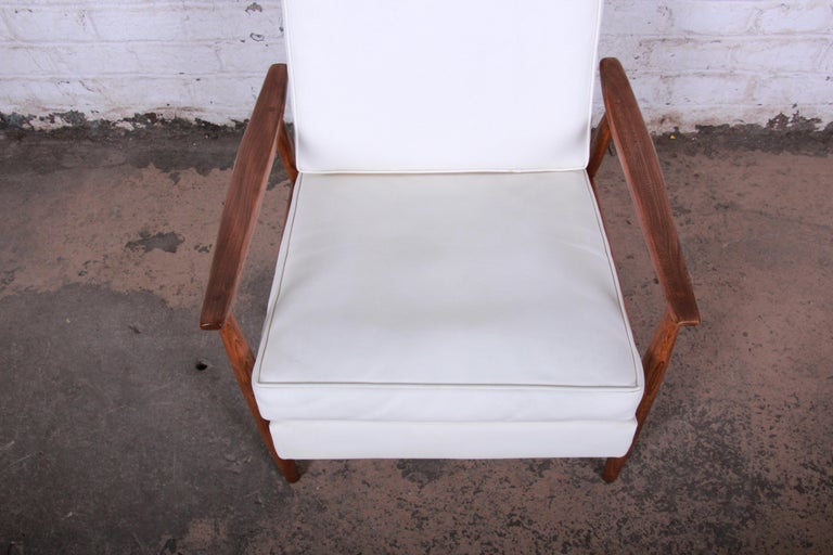 Milo Baughman for James Inc. Reclining Lounge Chair, Newly Refinished For Sale 2