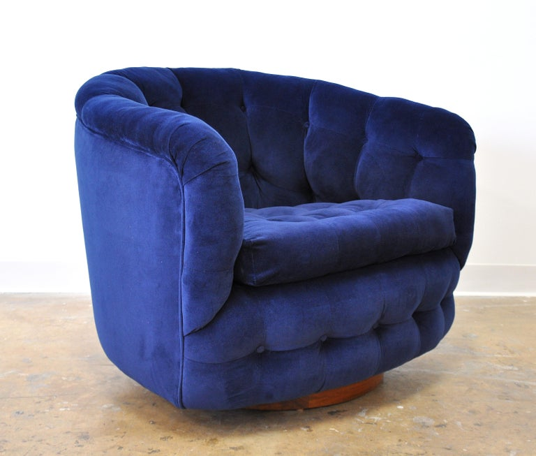 Mid-Century Modern Milo Baughman for Thayer Coggin Blue Velvet Swivel Lounge Chair For Sale