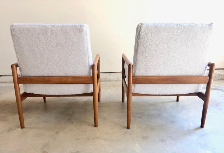 American Milo Baughman for Thayer Coggin Lounge Chairs For Sale