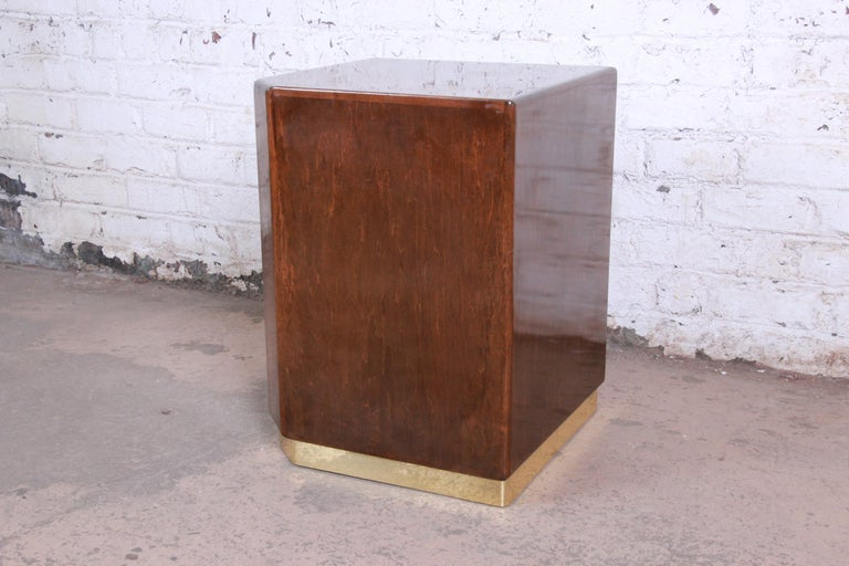 Mid-Century Modern Milo Baughman for Thayer Coggin Maple and Brass Cube Side Table For Sale