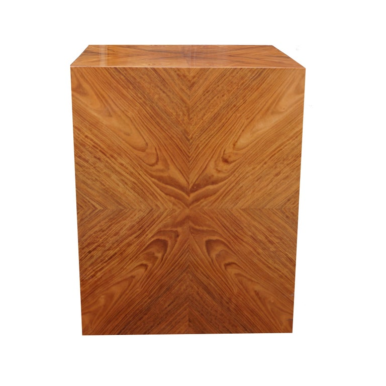 Milo Baughman for Thayer Coggin Rosewood Bookmatched Side End Table Pedestal In Good Condition For Sale In Wayne, NJ