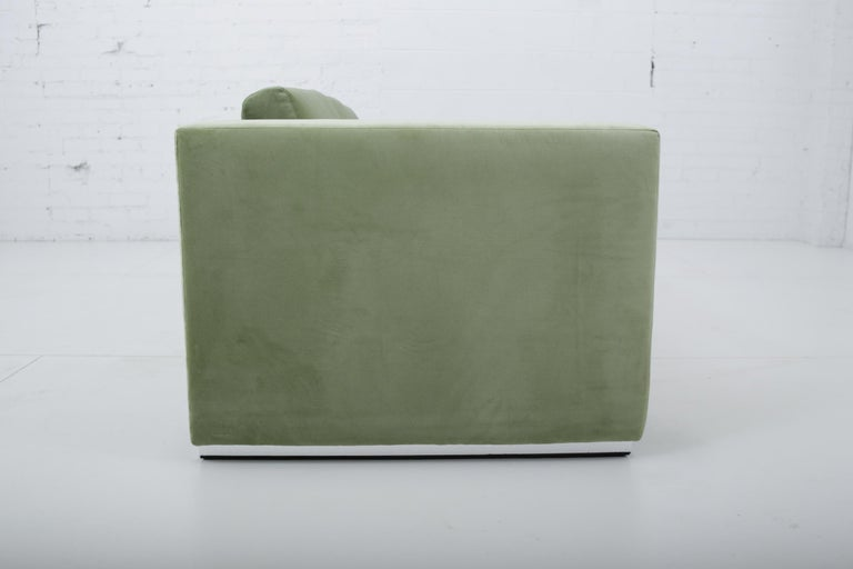 Milo Baughman Green Velvet Sofa on Chrome Base, 1970 In Excellent Condition For Sale In Chicago, IL