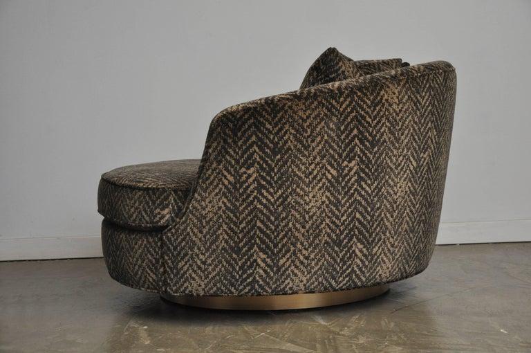 Mid-Century Modern Milo Baughman Large Swivel Chair