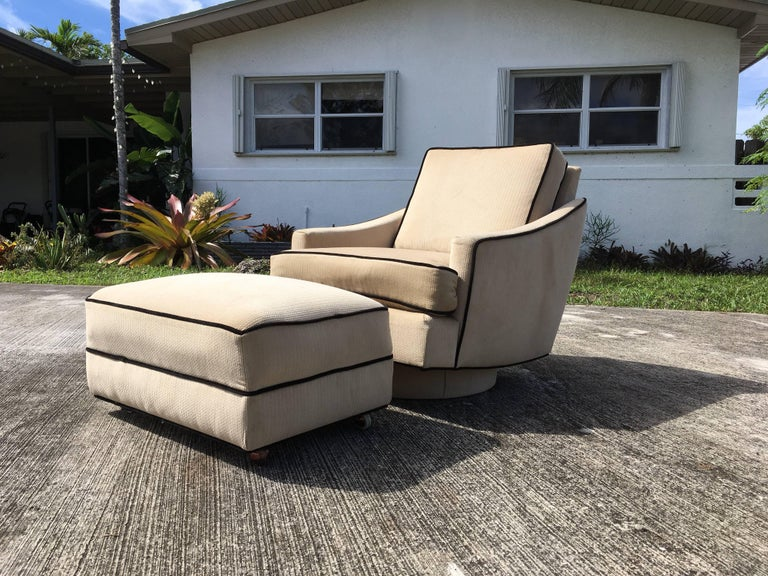 Late 20th Century Milo Baughman Lounge Chair with Ottoman For Sale