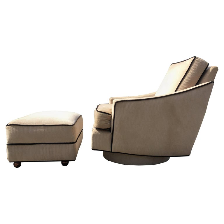 Milo Baughman Lounge Chair with Ottoman For Sale