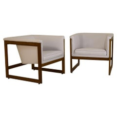 Milo Baughman Lounge Chairs in Quartz White Leather and Walnut