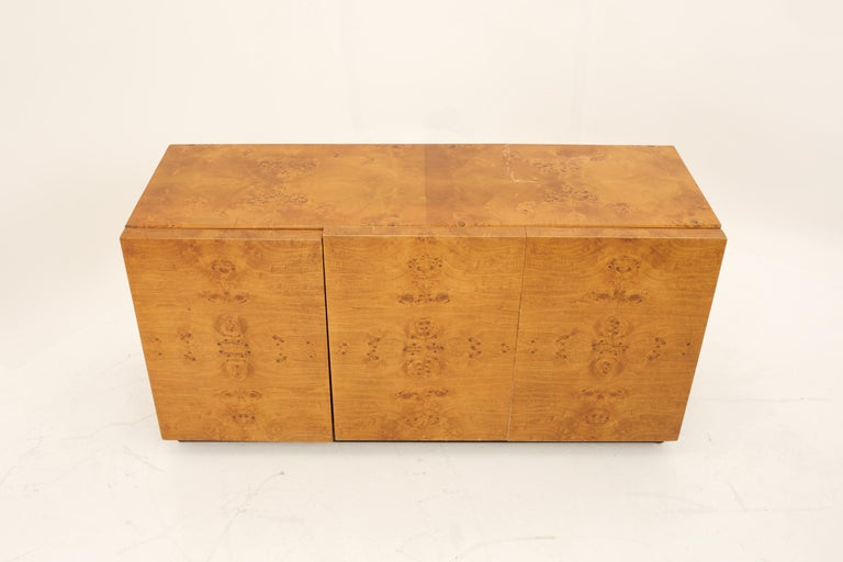 Mid Century Burlwood Credenza with Hutch For Sale 8