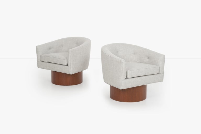 Mid-Century Modern Milo Baughman Pair of Lounge Chairs For Sale