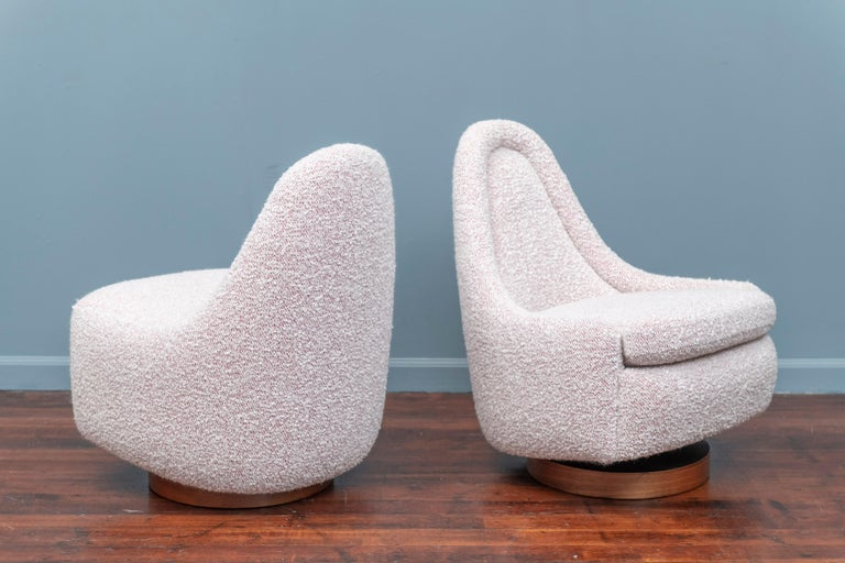 Milo Baughman Petite Swivel Tilt Lounge Chairs In Good Condition For Sale In San Francisco, CA