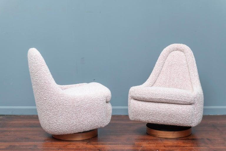 Mid-20th Century Milo Baughman Petite Swivel Tilt Lounge Chairs For Sale