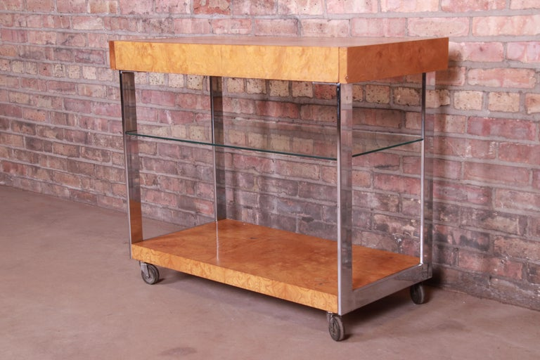 Milo Baughman Style Mid-Century Modern Burl Wood and Chrome Bar Cart by Lane In Good Condition In South Bend, IN