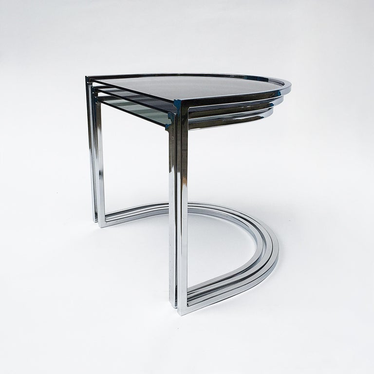 Mid-Century Modern Milo Baughman Style of Chrome and Glass Nest Side Tables, Mid Century  For Sale