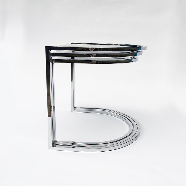 American Milo Baughman Style of Chrome and Glass Nest Side Tables, Mid Century  For Sale