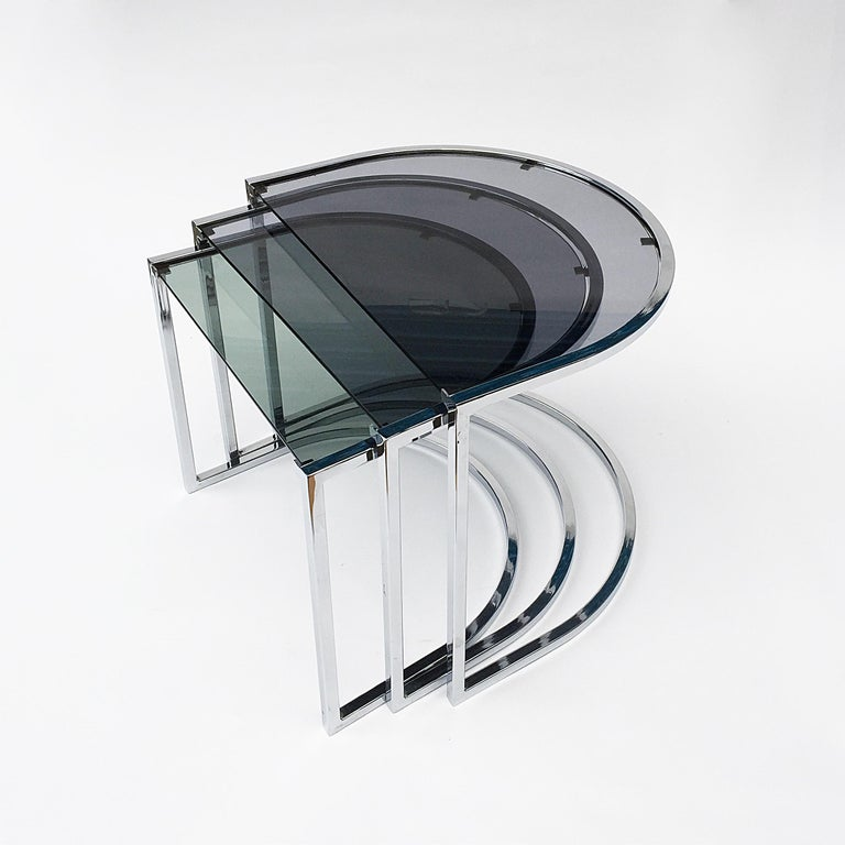 Late 20th Century Milo Baughman Style of Chrome and Glass Nest Side Tables, Mid Century  For Sale