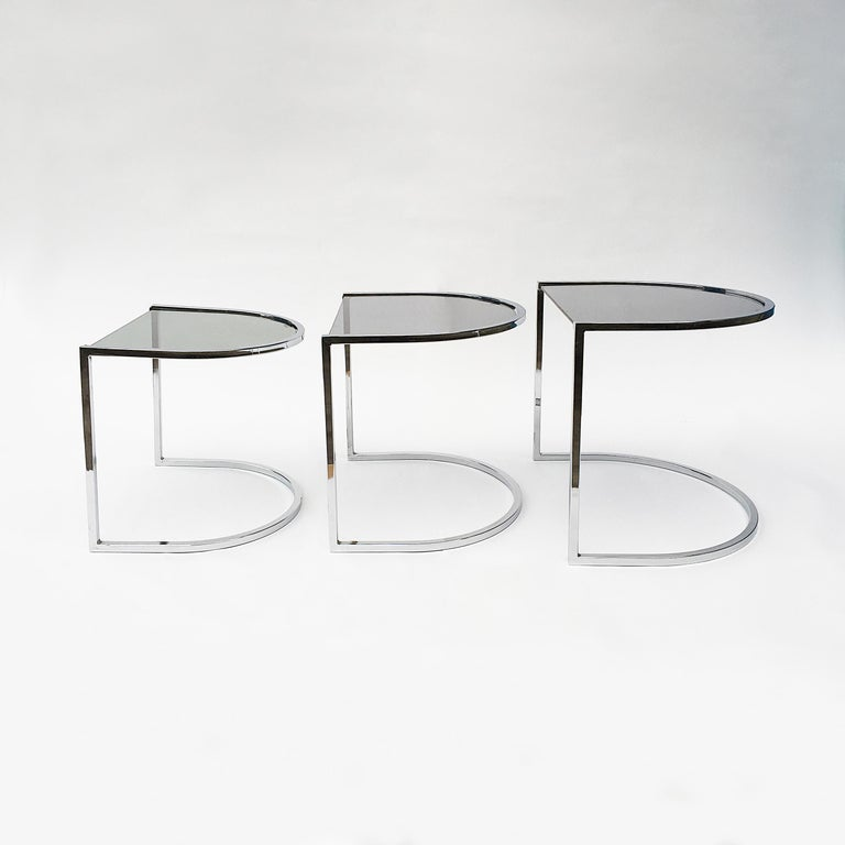 Milo Baughman Style of Chrome and Glass Nest Side Tables, Mid Century  For Sale 3