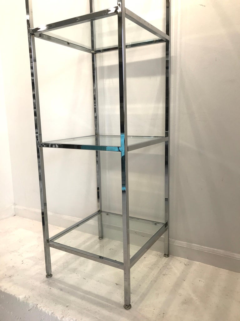 Milo Baughman Style Tall Chrome and Glass Column Étagère In Good Condition For Sale In West Palm Beach, FL