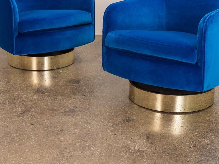 Milo Baughman Swivel Lounge Chairs For Sale 3