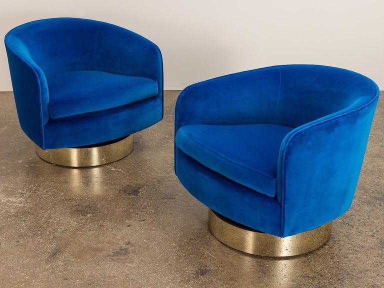 Milo Baughman Swivel Lounge Chairs For Sale 4