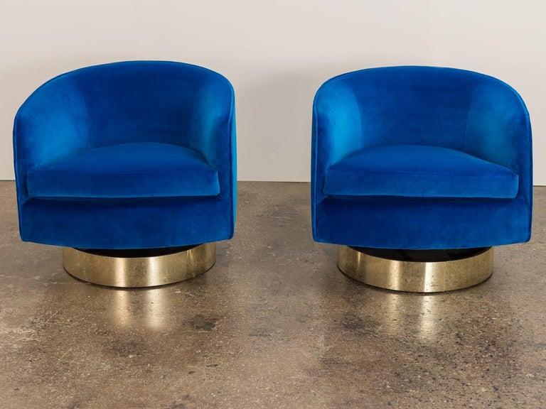 Mid-Century Modern Milo Baughman Swivel Lounge Chairs For Sale