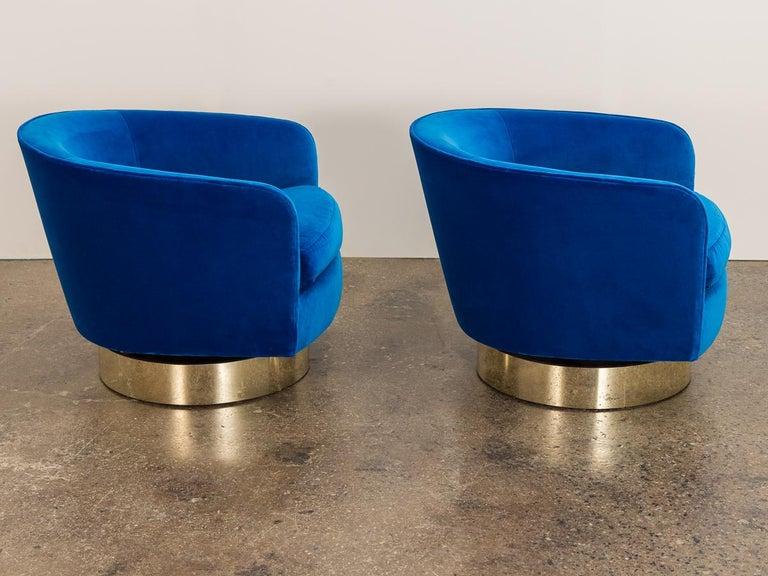 American Milo Baughman Swivel Lounge Chairs For Sale