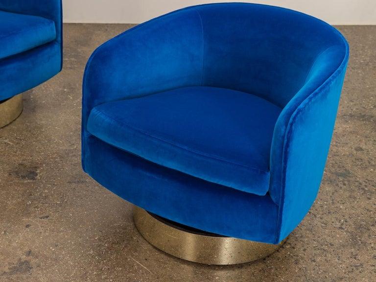 Milo Baughman Swivel Lounge Chairs For Sale 1