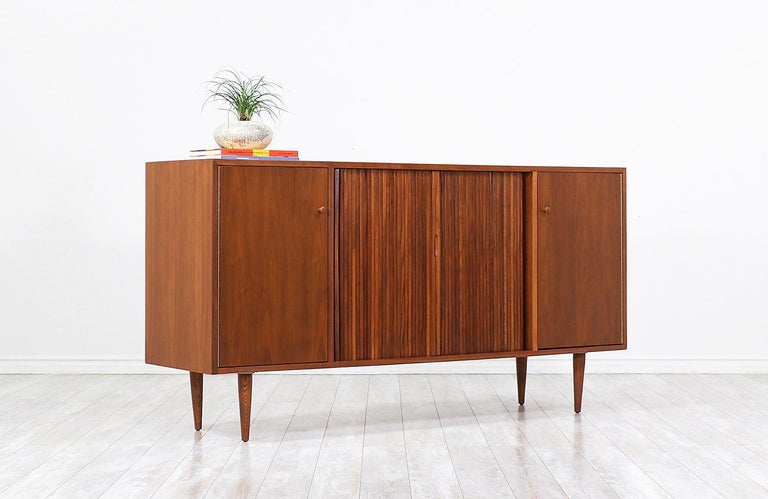 Milo Baughman Tambour-Door Credenza with Lacquered Drawers for Glenn of Cal. In Excellent Condition For Sale In Los Angeles, CA
