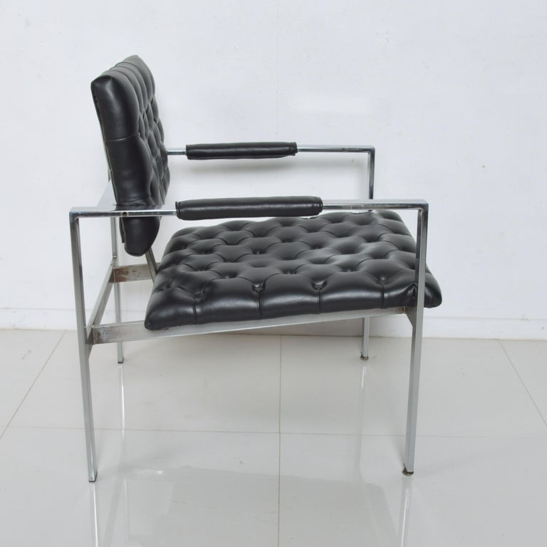 Mid-Century Modern Milo Baughman Black Tufted Leather Lounge Chair Flat Chrome Thayer Coggin, 1960s For Sale
