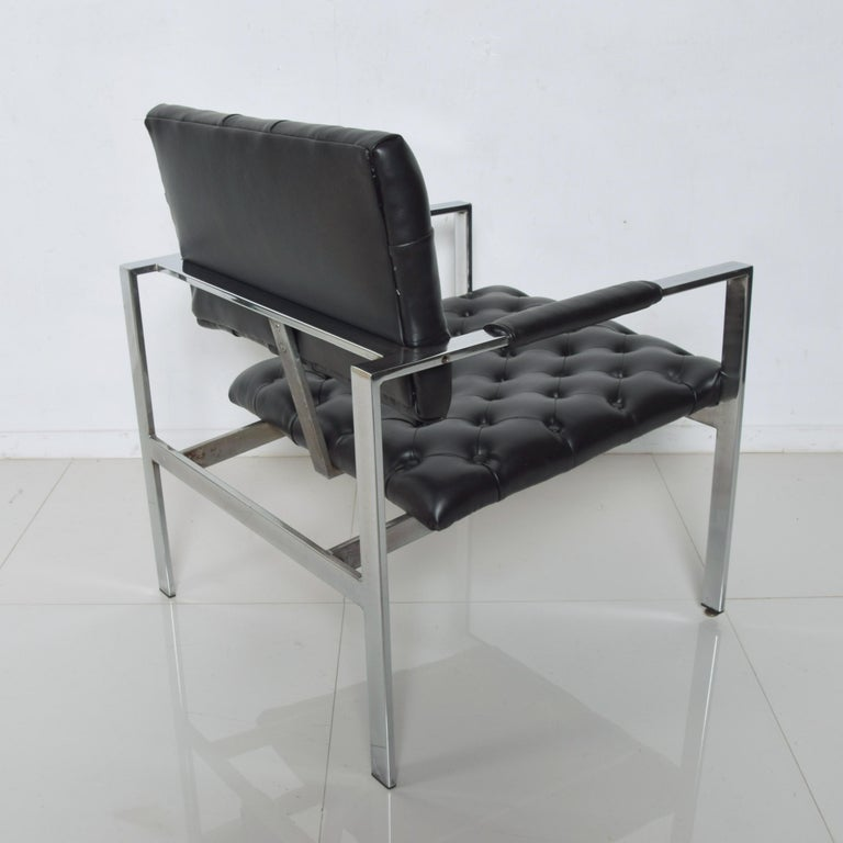 American Milo Baughman Black Tufted Leather Lounge Chair Flat Chrome Thayer Coggin, 1960s For Sale