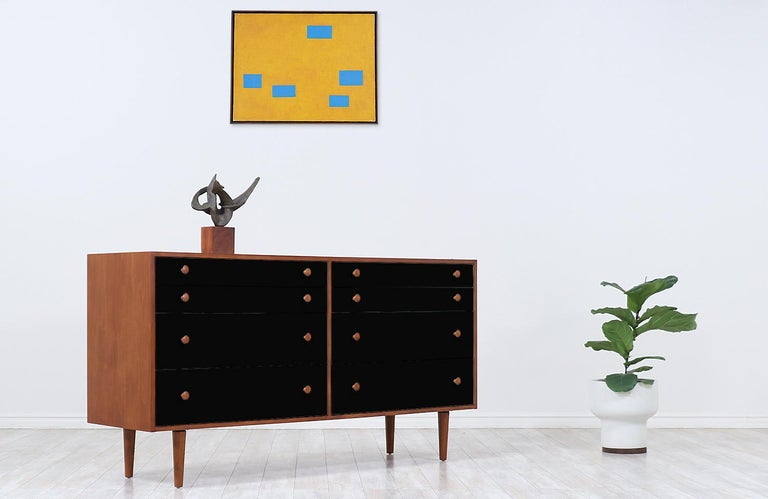 Mid-Century Modern Milo Baughman Two-Tone Lacquered and Walnut Dresser for Glenn of California For Sale