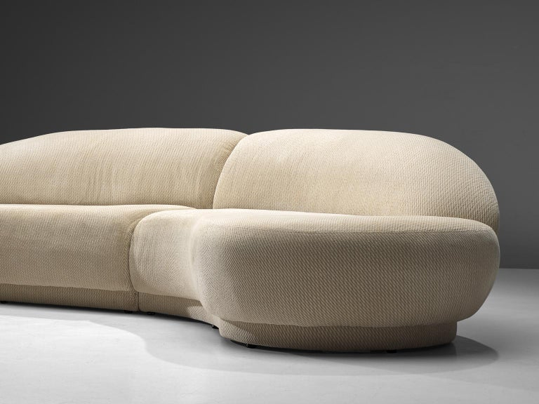 Milo Baughman White Serpentine Curved Sofa In Good Condition For Sale In Waalwijk, NL