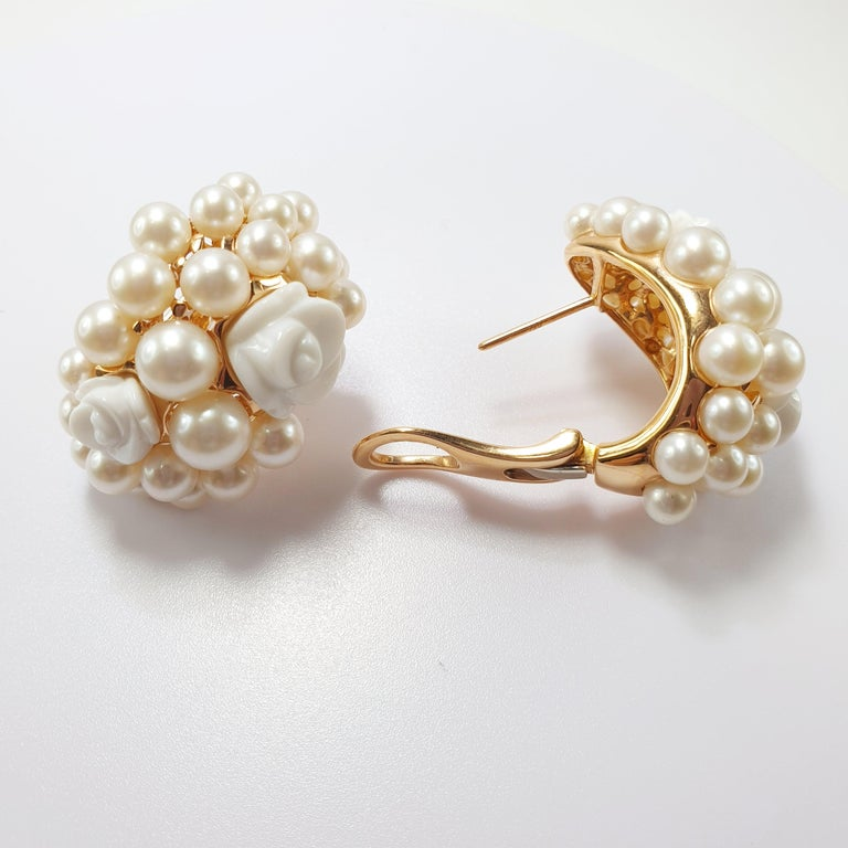 Contemporary Mimi Milano 18 Karat Rose Gold Earrings with Agate Flowers and Pearls For Sale