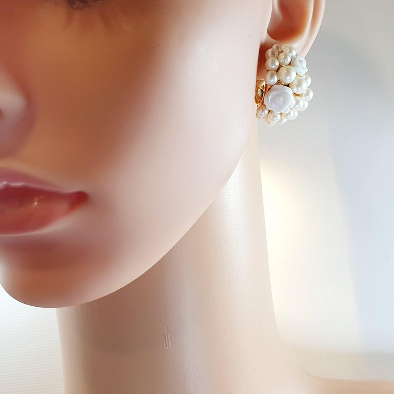 Rose Cut Mimi Milano 18 Karat Rose Gold Earrings with Agate Flowers and Pearls For Sale