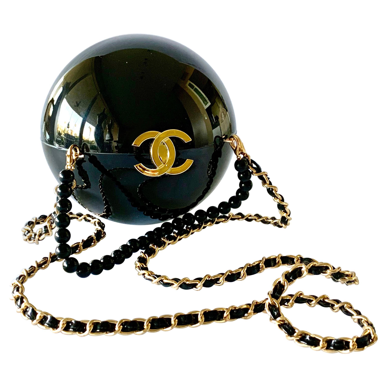 Minaudiere Chanel Black Round Double CC Logo Handbag